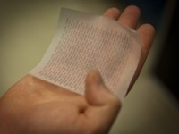 Solar Paper Promises to Power Up Smartphones
