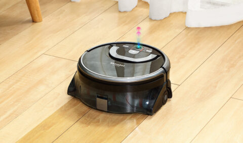 The ILIFE Shinebot W450 mops, vacuums and gets rid of stains